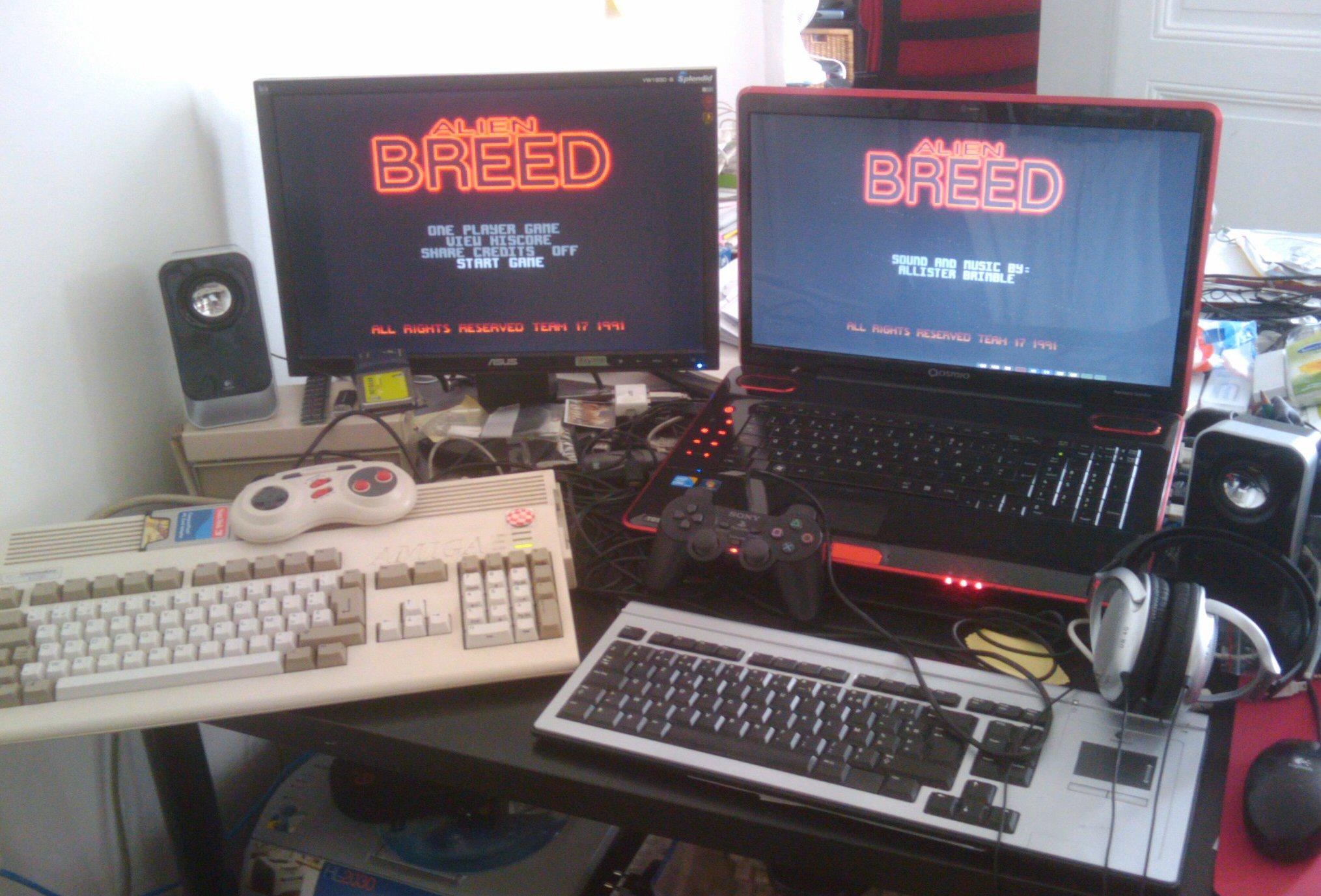 Amiga 1200 vs Toshiba Qosmio X500 playing Alien Breed