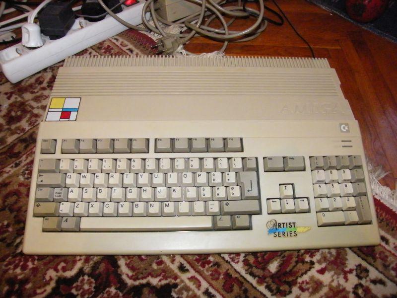 Amiga 500 Serial no.1 !!!